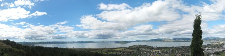 Lake_Rotorua_panorama
